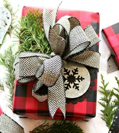 8 Holiday Gift Wrapping Tips - Cultivate Create plaidchristmas Wrapping Ideas, Creative Gift Wrapping, Creative Gifts, Wrapping Presents, All Things Christmas, Christmas Holidays, Christmas Crafts, Christmas Decorations, Plaid Christmas