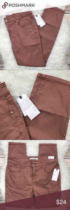 """NWT Melrose & Market Tan Burlwood Skinny Jeans New with tags Melrose & Market Tan Burlwood Skinny Jeans. Size 31. 51% cotton, 38% lyocell, 8% rayon, 3% spandex. Waistband 33"""", rise 10"""", inseam 28"""". Leg cuff opening 11.5"""". No trades, offers welcome. Nordstrom Jeans Skinny"""