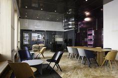 Das Projekt J. HORNIG KAFFEEBAR findet man jetzt auch als Referenz auf der E15 Homepage. :) ... by #areacreateidentity & #tzoulubroth / #vienna #interiordesign #furniture #e15 #this #that #stefandiez #coffeelover #hornig #createidentity #areacreateidentity #area Coffee Branding, Restaurant Bar, Vienna, Modern, Lounge, Interiordesign, Furniture, Table, Wallpaper