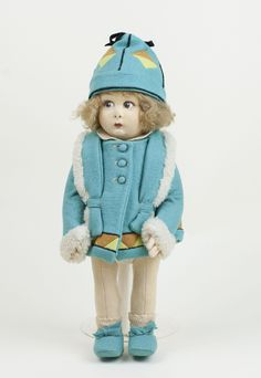 Beautiful vintage Lenci girl doll in a fabulous turquoise felt outfit with fur trim. // Condition: very clean and all original, slightly gray on the