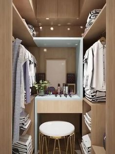 Small Room Design Bedroom, Small House Interior Design, Teen Bedroom Designs, Bedroom Closet Design, Home Room Design, Small Rooms, House Rooms, Home Decor Styles, Tiny Bedrooms