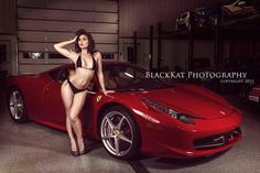 Pinup style photoshoot / with a Ferrari