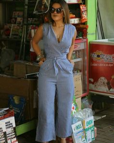 Lurex nesse final de ano é pedida certa.Visit my site get more beautiful dress skip ad link http swarife com – ArtofitNote to self : change bottom to skirtI'm such a sucker for jumpsuits🥰Pin by Diana Odai on Jumpsuit in 2019 Classy Outfits, Chic Outfits, Dress Outfits, Summer Outfits, Fashion Dresses, Fashion Fashion, Jumpsuit Outfit, Casual Jumpsuit, Pinterest Fashion