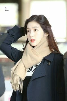 Irene - Incheon Airport arrival from Japan ©bemybrownie Red Velvet アイリン, Irene Red Velvet, Korean Airport Fashion, Korean Fashion, Seulgi, Red Velvet Photoshoot, Red Valvet, Airport Style, Woman Crush