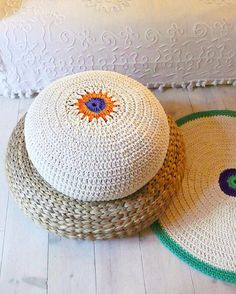 Floor Cushion Crochet ecru and colors por lacasadecoto en Etsy, €52.00