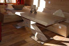 ZWAARTAFELEN I Stoere eikenhouten tafel en bank, speciaal op maat gemaakt en ontworpen voor een chalet I Inspiratie voor de winter 2017 I www.zwaartafelen.nl