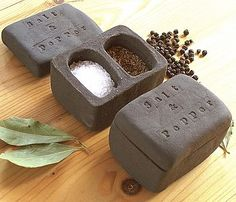 Ceramic Salt And Pepper Pot
