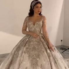Queen Wedding Dress, Rose Gold Wedding Dress, Princess Wedding Dresses, White Wedding Dresses, Bridal Dresses, Extravagant Wedding Dresses, Wedding Dresses Pinterest, Wedding Dress Sketches, Clubbing Outfits