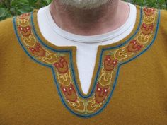 Beautiful embroidered collar detail  on a sca tunic