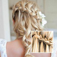 Zopf am Hinterkopf langes Haar mit Locken Brautfrisur mit Haarschmuck