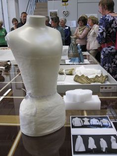 Mannequin of white paper tape with polished, lacquered top from auto workshop Car Workshop, Museum Displays, Paper Tape, White Paper, Dressing, Textiles, Sewing, Storage, Fabric