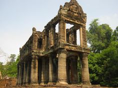 Buddhist Architecture, Religious Architecture, Temple Drawing, Khmer Empire, Siem Reap, Angkor Wat, Designs To Draw, Southeast Asia, Buddhism
