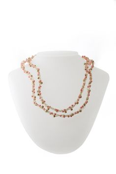 Pick between semi precious round stone or Czech Fire Polish or combine the two of them to create this necklace. Fee for this kit Rp 235.000