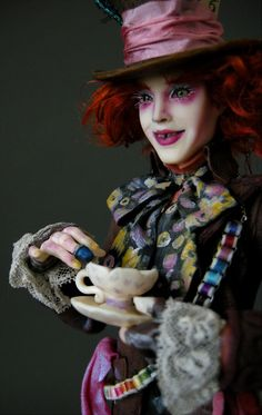 Johnny Depp - Mad Hatter 3 by wingdthing on DeviantArt Johnny Depp Mad Hatter, Cruella Costume, Steampunk Dolls, Alice In Wonderland Costume, Polymer Clay Dolls, Mad Hatter Tea, Disney Dolls, Boy Costumes, Creepy Dolls