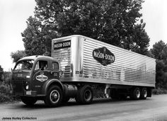 Exceptional pickup trucks information is readily available on our internet site. Check it out and you wont be sorry you did. Big Rig Trucks, Semi Trucks, Cool Trucks, Pickup Trucks, White Tractor, White Truck, Antique Trucks, Vintage Trucks, Freightliner Trucks