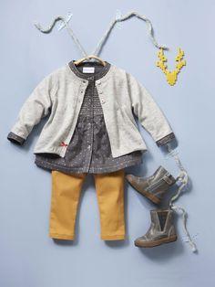 #Cardigan en #tricot + #Blouse en voile imprimé + #Boots fourrées zippées mixte + #Slim couleur bébé - Collection automne hiver 2014 - www.vertbaudet.fr