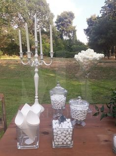 Διακόσμηση γάμου στην εξοχή, με vintage ύφος, φυσικά λουλούδια και rustic διάθεσή. Rustic Wedding, Decorations, Cake, Flowers, Vintage, Mudpie, Florals, Embellishments, Decoration