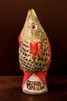 Arte Popular do Brasil: Tiago Amorim. Tiago Amorim, peixe, cerâmica. Reprodução fotográfica Casa de Valentina (www.casadevalentina.com.br).