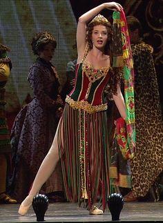 Operafantomet: phantoming, Sierra Boggess' Christine wardrobe, Royal Albert...