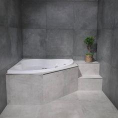 RAK Cementina 75x75 i fargene Antracite og Grey. #flisekompaniet