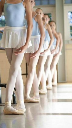 All young ballet dancers should come to class like this