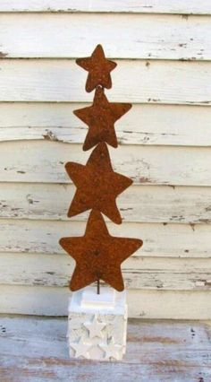 Christmas tree made out of rusty stars