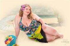 Fun at the beach by on DeviantArt Curvy Pin Up, Blue Dream, Swimsuits, Swimwear, Bikinis, Beach Fun, Tankini, Plus Size, Celebrities
