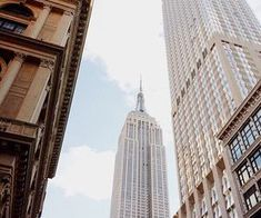 Empire State Building, New York City Ross Geller, Phoebe Buffay, Chandler Bing, Empire State Building, Gossip Girl, Voyager C'est Vivre, A New York Minute, Annabeth Chase, City That Never Sleeps