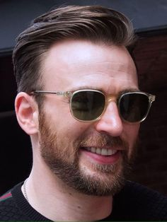 Healthy people 2020 obesity and poverty action: Chris Evans Beard, Chris Evans Funny, Robert Evans, Capitan America Chris Evans, Chris Evans Captain America, Capt America, Steve Rogers, American Actors, Cute Guys