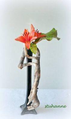 Art Floral, Floral Design, Eiffel Tower Vases, Floral Arrangements, Flower Arrangement, Bouquet, Ikebana, Bonsai, Glass Vase