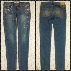 Hollister Skinny Bling Jeans sz 26x31 Rare Find. Like New bought but didn't fit. Hollister Distressed Skinny Jeans. All Rhinestones Attached, No Rips, Tears or Stains. Size 26 X 31. No Trades. Please Use Offer Button. Hollister Jeans Skinny