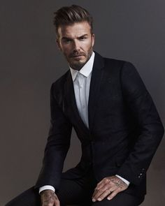Trend portrait photography poses for men 22 Style David Beckham, Moda David Beckham, David Beckham Suit, Corporate Portrait, Business Portrait, Corporate Headshots, Portrait Photography Poses, Man Photography, Photography Contract