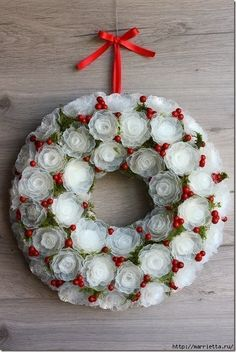 Before we made some flowers and wreath from egg carton. Now we have plastic egg box instead of egg box, Xmas Wreaths, Christmas Ornaments To Make, Noel Christmas, Christmas Crafts, Christmas Decorations, Holiday Decor, Plastic Flowers, Diy Flowers, Fleurs Diy