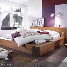 """Das Bett aus Mangoholz """"Creed"""" von Massivum setzt in jedem Schlafbereich natürliche Akzente. Die große Liegefläche lädt zum Relaxen ein und der breite Rand…"""