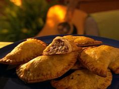 You'll find the ultimate Aaron McCargo, Jr. Big Daddy's spicy beef patty recipe and even more incredible feasts waiting to be devoured right here on Food Network UK. Jamaican Beef Patties, Jamaican Patty, Food Network Uk, Food Network Recipes, Jamaican Recipes, Beef Recipes, Jamaican Roti Recipe, Jamaican Curry, Recipies