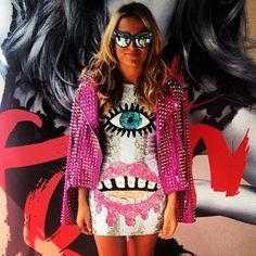 Mirror sunglasses @nicolelucasstylist #mbfw #fashion #fashionable #fashionweek #street #styling #stylish #streetstyle #pink #dress #lips #eyes #womensfashion #girl #mirror #mirrorsunglasses #sunglasses