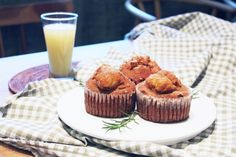 Hurom Apple Cinnamon Muffin Apple Cinnamon Muffins, Cinnamon Apples, Pulp Recipe, Mini Cupcakes, Breakfast, Desserts, Recipes, Food, Morning Coffee
