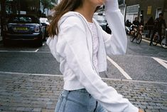 White Brandy Melville zip up - Source by esanciuc - Crop Top Outfits, Cute Casual Outfits, Mode Outfits, Grunge Outfits, Fall Outfits, Summer Outfits, Grunge Look, Style Grunge, 90s Grunge