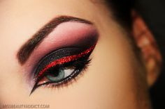Gorgeous red and black liner with black shadow