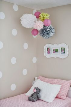 Using vinyl to make polka dots on the wall