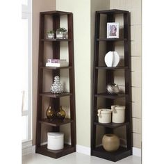 Corner Shelves Eliminate Dead Space