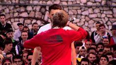 Blon vs Chalea (Octavos) Red Bull Batalla de los Gallos 2015 España. Regional Barcelona -  Blon vs Chalea (Octavos)  Red Bull Batalla de los Gallos 2015 España. Regional Barcelona - http://batallasderap.net/blon-vs-chalea-octavos-red-bull-batalla-de-los-gallos-2015-espana-regional-barcelona/