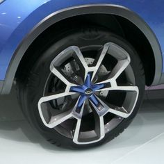 Tire Overlapping Rims