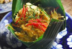 La Petite Mangue - Cambodian food on Mt. Royal West of St. Sisters Presents, Cambodian Food, National Dish, Restaurant, Thai Red Curry, St Denis, Dishes, Montreal, Ethnic Recipes