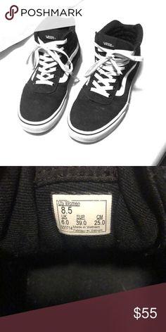 de0becbf1ae Vans Ward Hi Women s Skate Shoes Lighty worn Vans Shoes Sneakers Skate Shoes