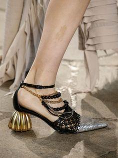 Women Clothing Names Hot Shoes, Crazy Shoes, Me Too Shoes, Black Shoes, Women's Shoes, Womens Fashion Sneakers, Fashion Shoes, Fairy Shoes, Runway Shoes