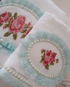 You are in the right place about decorative towel vinyl Here we offer you the most beautiful picture Towel Embroidery, Embroidered Towels, Cross Stitch Embroidery, Bathroom Towels, Bathroom Sets, Decorative Towels, Bath Linens, Cool Diy Projects, Bed Sheets