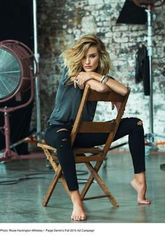 Blondes of a woman with fashionable clothes the woman is sitting on a chair still arts blondes chair clothes fashionable sitting woman Paige Denim, Model Poses Photography, Photography Ideas, Photography Lighting, Photography Accessories, Photography Tutorials, Photography Business, Photography Studios, Editorial Photography
