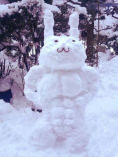 友人が作った雪だるまさんがやばい on Twitpic
