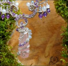 ~ Alliances éternelles ~ Collier wire wrapping en Quartz rose, Labradorite blanche, Améthyste, Labradorite, volutes elfiques : Collier par atelier-bijoux-legendaires